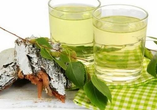 Какая польза от березового сока и кому он противопоказан?