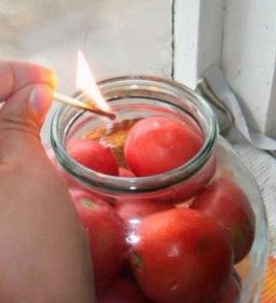 Хранение помидор в банке со спиртом